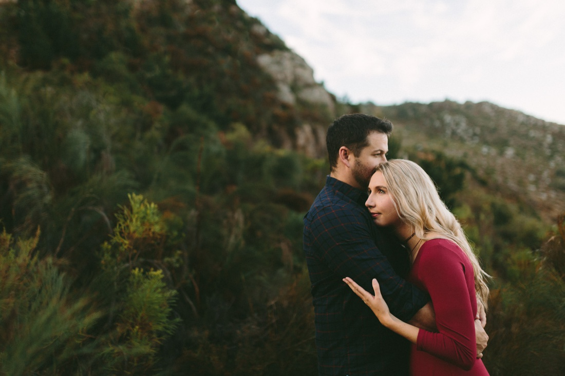 Adrian&Lindie_mountain-engagement-shoot015