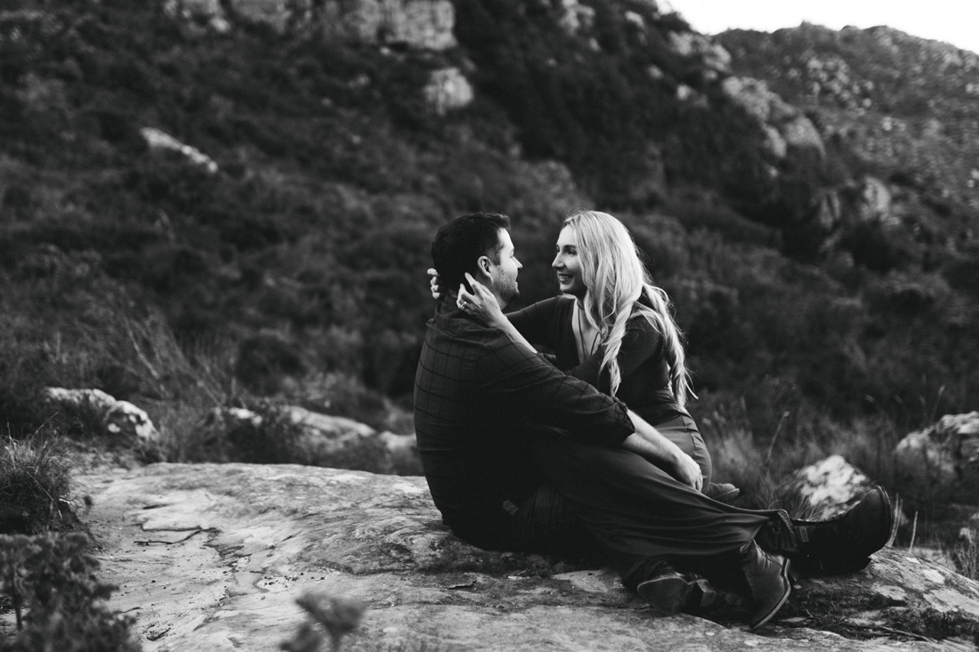 Adrian&Lindie_mountain-engagement-shoot026